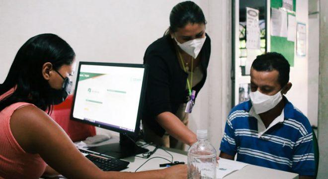 Primeiro dia do mutirão de cadastro para vacinação em Fortaleza tem baixa procura