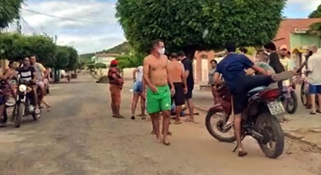 Entregador morto a facadas em Missão Velha após discussão com pai e filhos num bar
