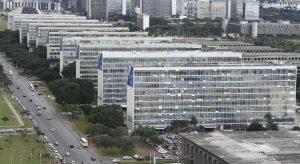 Governo Bolsonaro reduziu em 44 mil o número de servidores