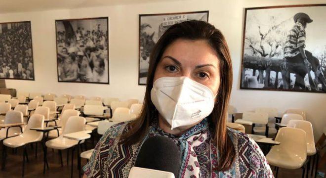 Secretária de Saúde de Barbalha comenta confusão que ocorreu na vacinação contra Covid-19