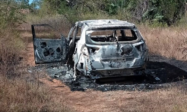 Carro incendiado encontrado em Missão Velha era roubado