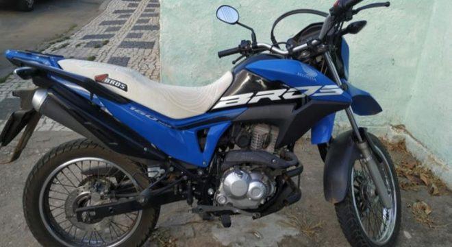 Moto furtada em Missão Velha recuperada em Barbalha, além de um carro em Juazeiro