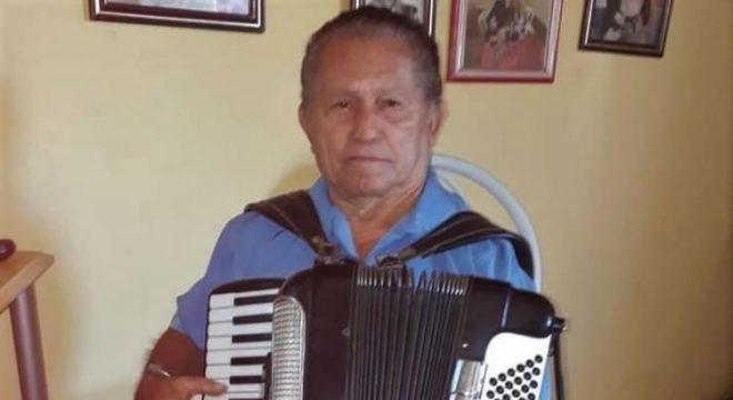 Corpo do sanfoneiro Joaquim Januário será sepultado hoje em Caririaçu. Veja o mesmo tocando