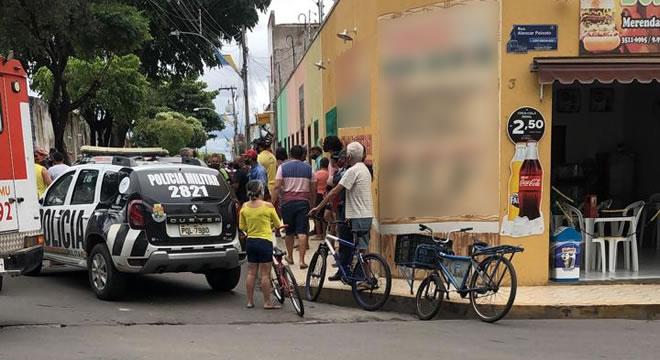Homicídio à bala em praça pública no Juazeiro agora há pouco