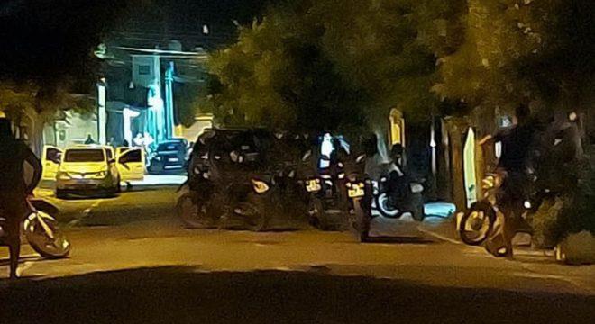 Dupla presa em Juazeiro ao atirar em via pública e menor esfaqueado no João Cabral