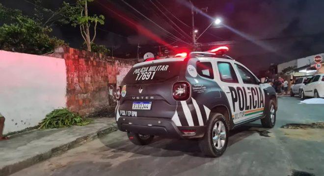 Vítima em ônibus acena para policiais e homem é preso em flagrante por importunação sexual