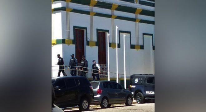 PM vai à Prefeitura de Missão Velha e fato é distorcido em função da eleição