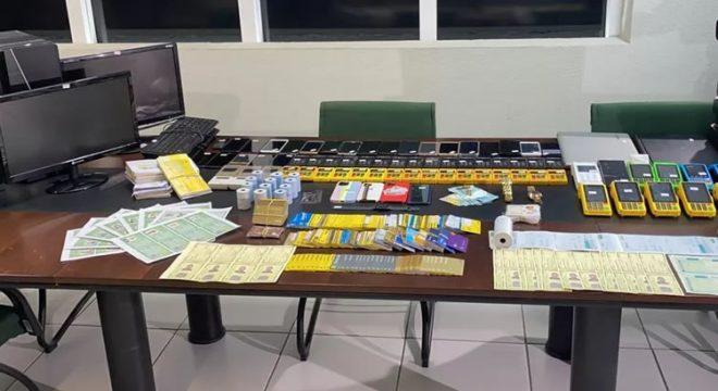 Grupo criminoso é preso após arrecadar mais de R$ 2,5 milhões com golpes de cartão de crédito