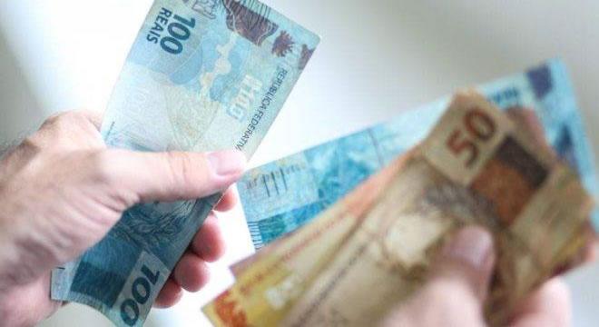 Comissão da Câmara aprova salário mínimo de R$ 1.147 para 2022, sem aumento real