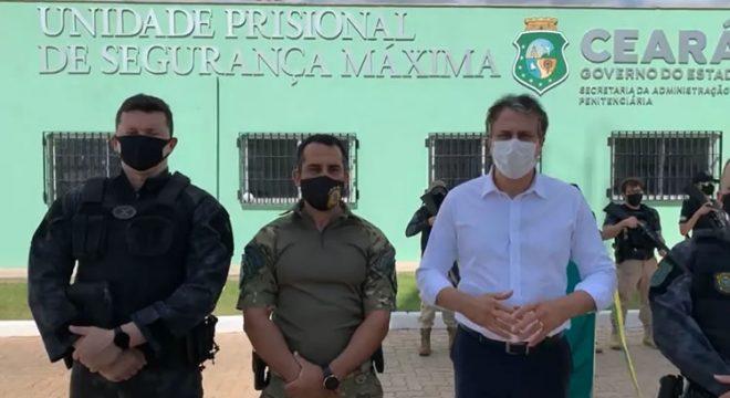 Novo presídio no Ceará tem 203 câmeras e telefone para conversa entre preso e advogado