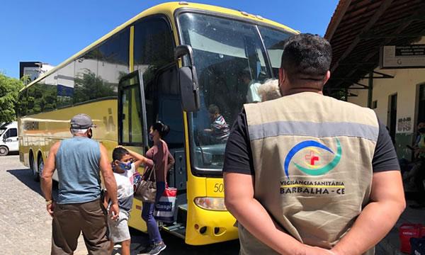 Passageiros são testados em rodoviária de Barbalha para evitar entrada da variante Delta