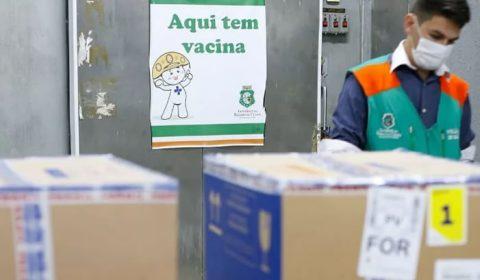 Ceará é um dos estados do Brasil que menos recebe vacinas contra Covid-19, segundo secretaria